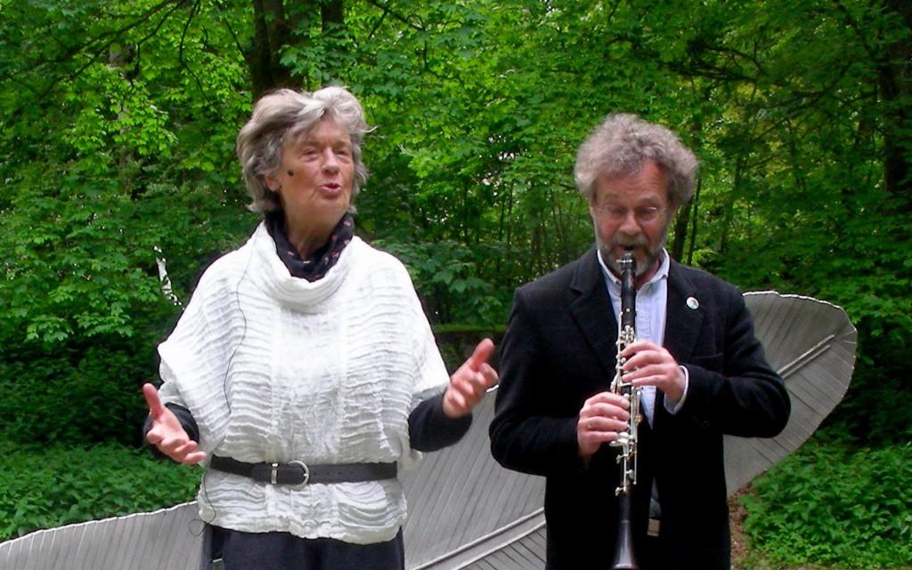 Helle Arnfred, formand for Ry Fortællekreds, fortalte den smukke irske legende Midsommerbruden på fortællefesitvalen på Silkeborg Bad 2015.